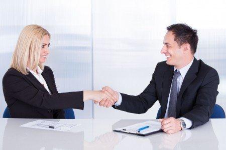 Kdo je odolnější šéf. Chlap nebo ženská?
