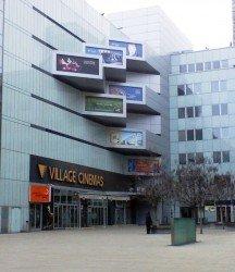 Village Cinemas se sice proměnilo v CineStar, k sexu jsou však jejich sály naprosto nevhodné - pokud nechcete skončit na YouTube...