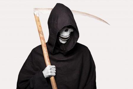 Smrt dokáže mít velmi krutý smysl pro humor! Nevěříte?