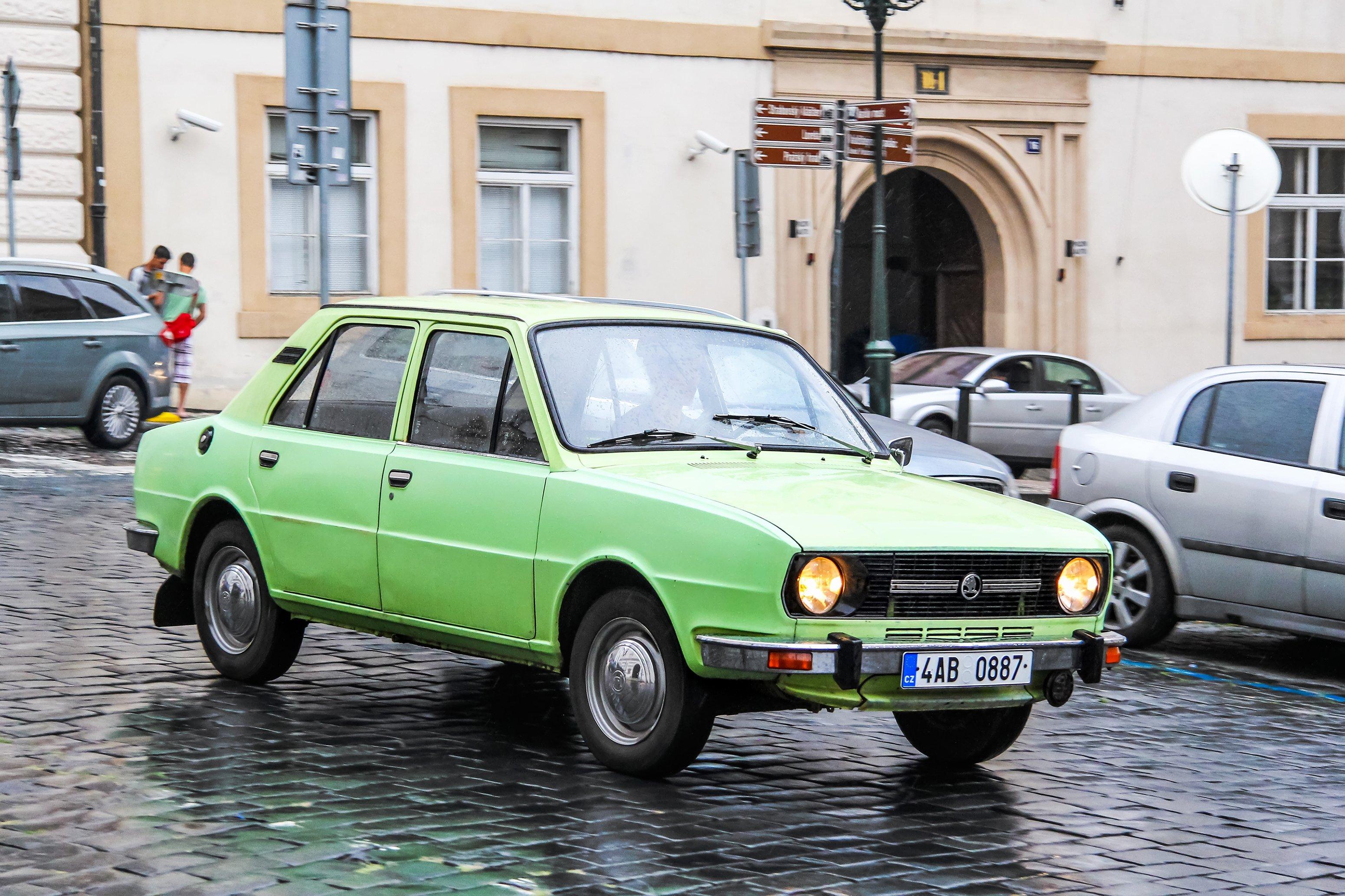 Automobilismus v ČR. Jaké vozy Češi nejvíce kupovali a kupují?