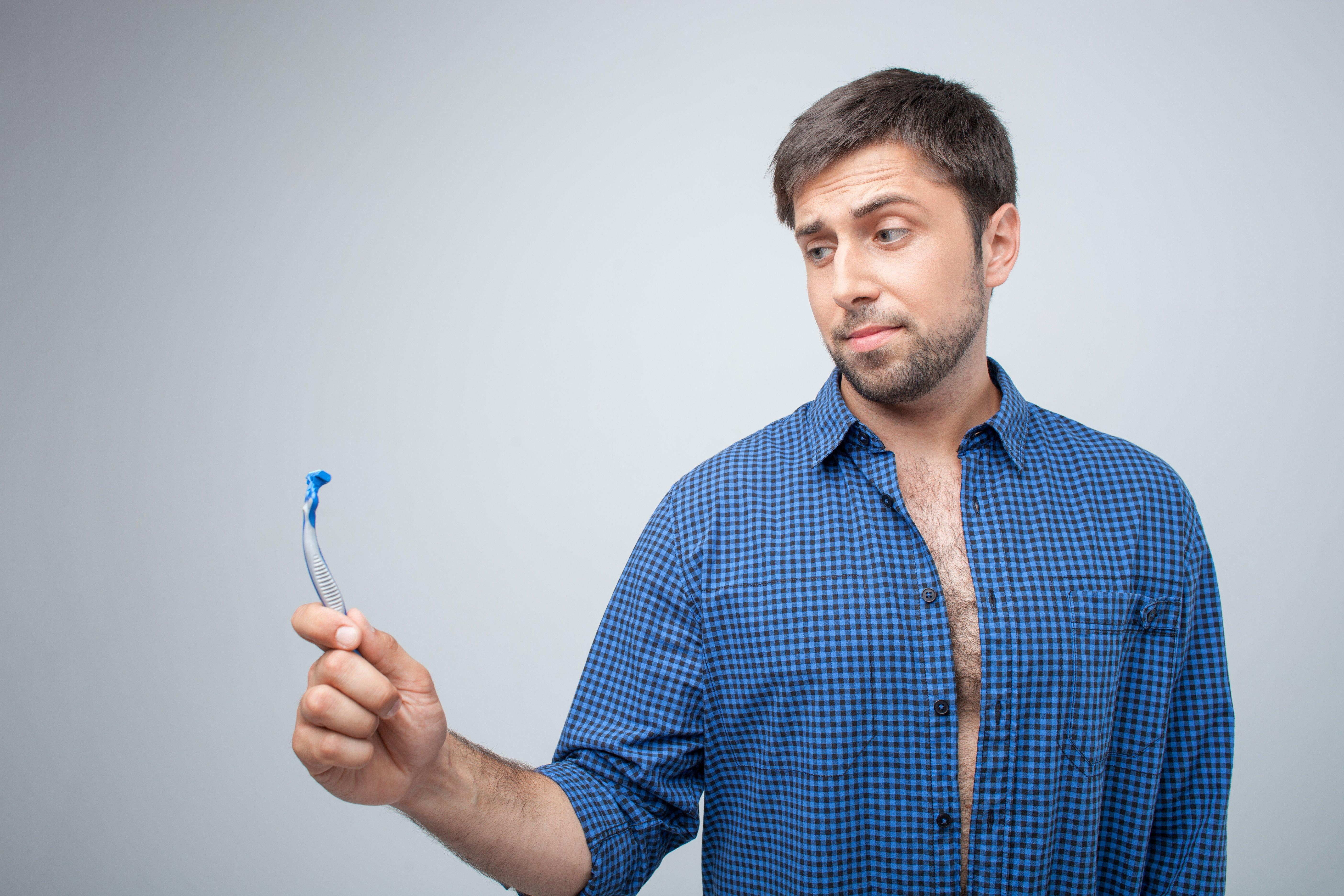 Jak si správně oholit koule? A jaká teplota vody je ta správná?