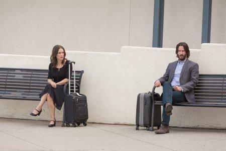 Recenze: Ten pravý, ta pravá? Keanu Reeves a Winona Ryder vedou devadesátiminutový rozhovor