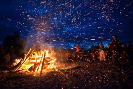 Milník lidstva: člověk ovládl oheň