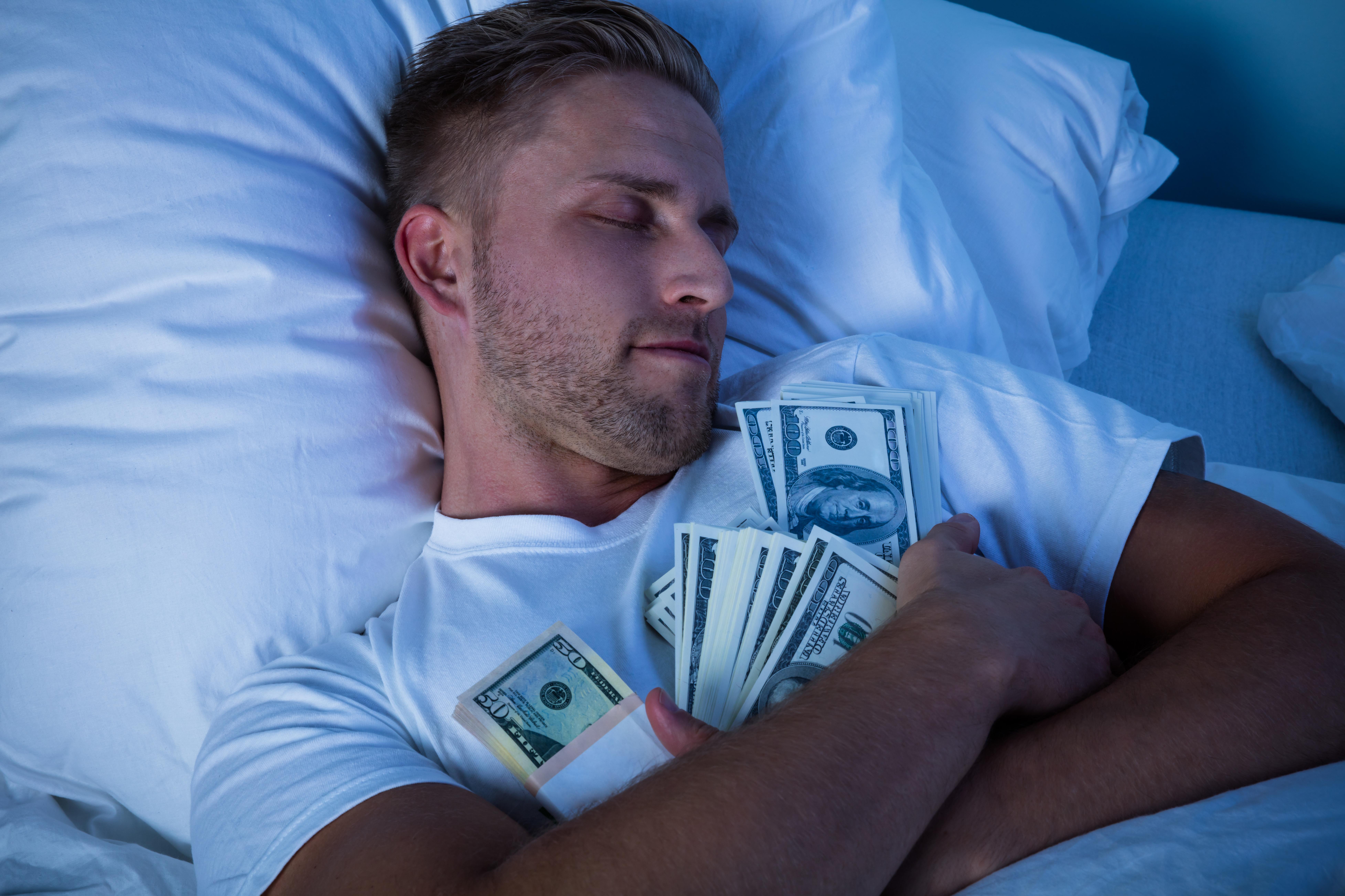 Kam schovat doma peníze?