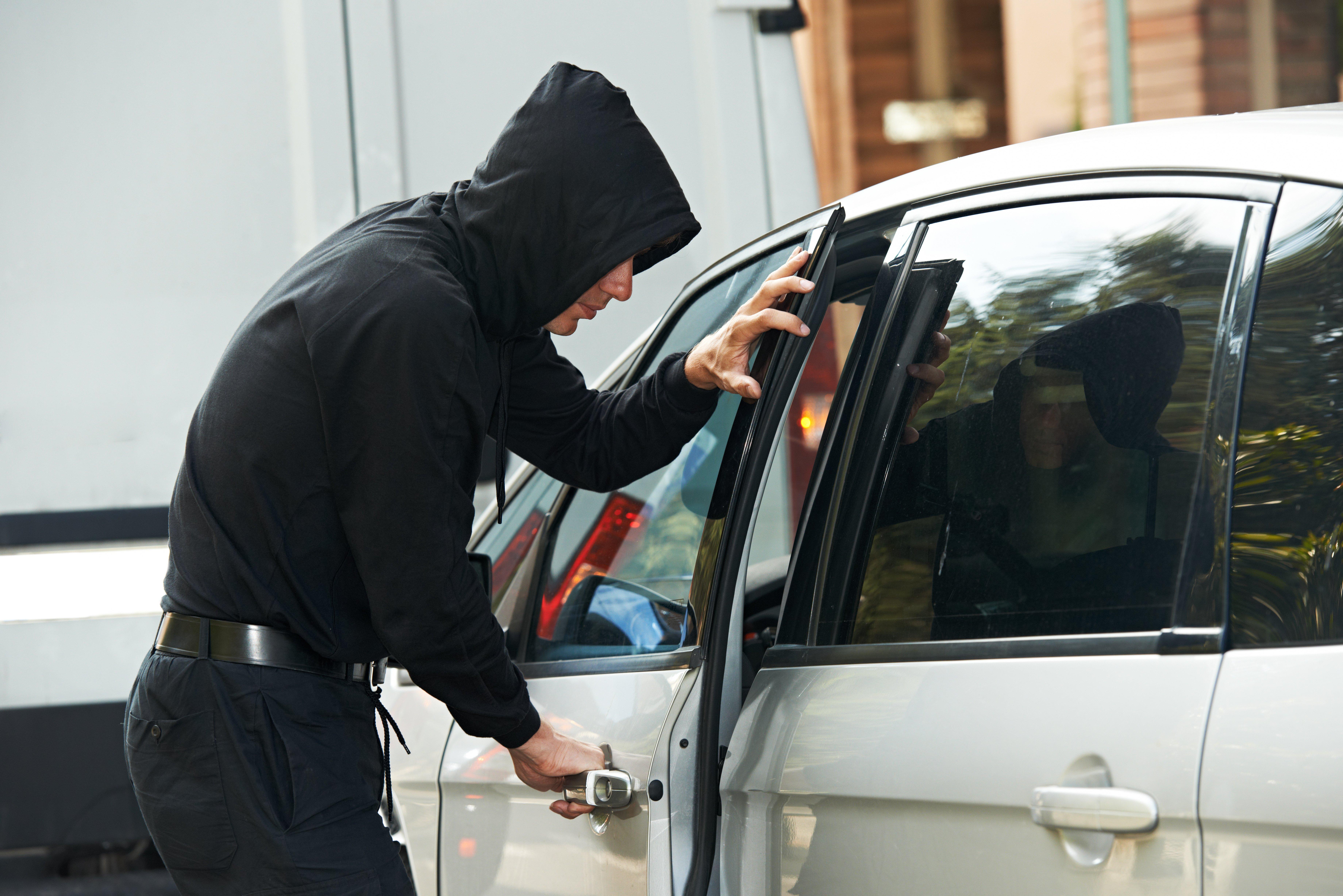 Jak se kradou auta srůznými zabezpečovacími systémy?