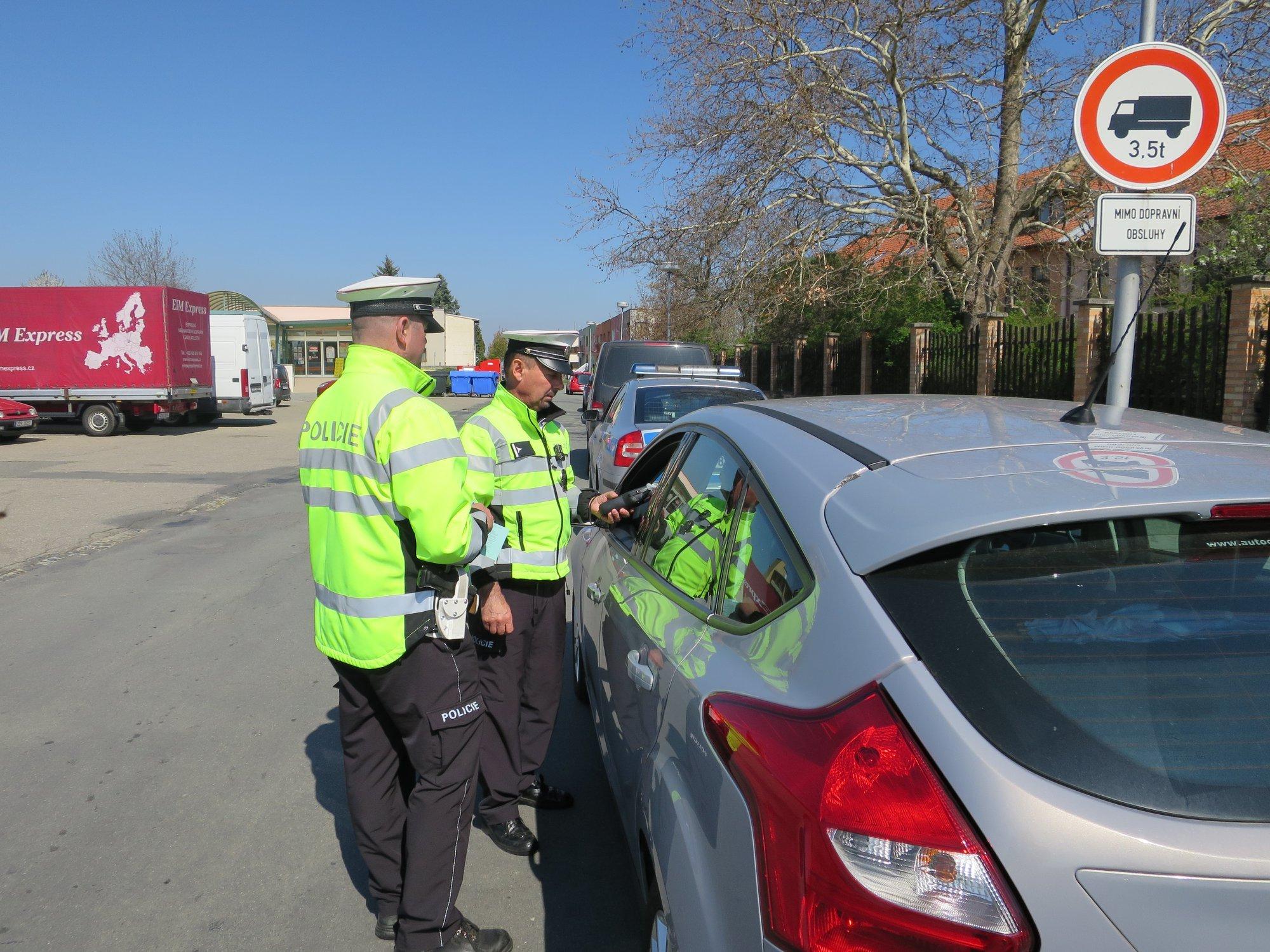 Přísnější bodový systém, vyšší pokuty a tvrdší správní řízení. Stát mění pravidla pro řidiče