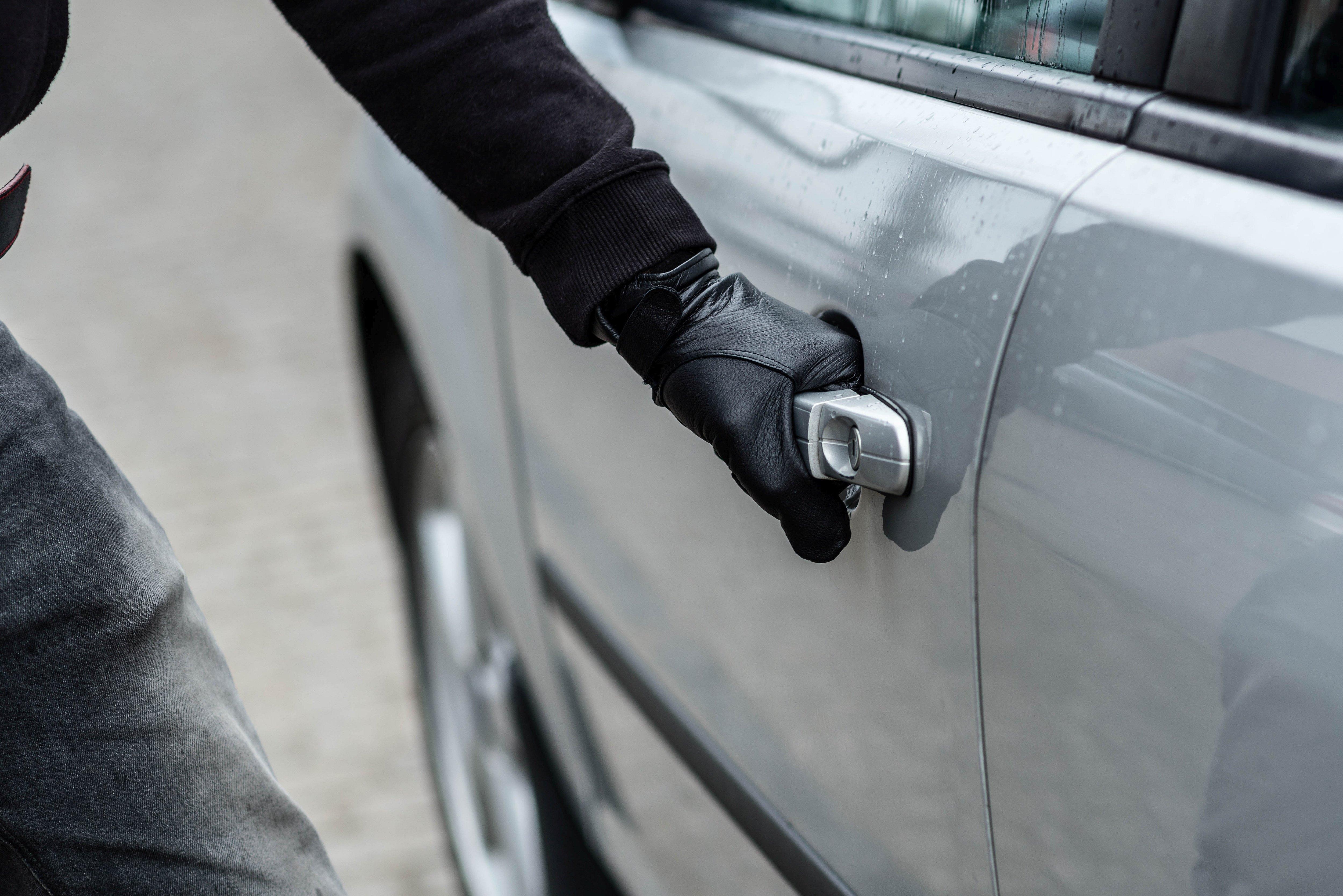 Krádeže aut se týkají všech značek. Před zloději není v bezpečí žádný vůz