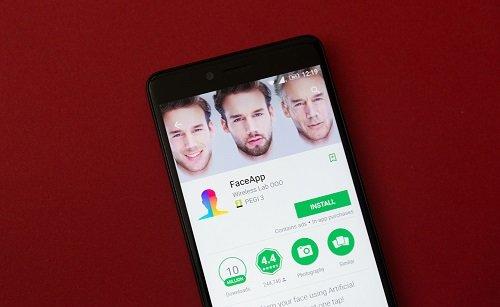 Stopa FaceApp nezačíná v Rusku, ale u hloupých uživatelů internetu