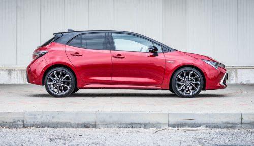 Náš autotest: Toyota Corolla je nové auto. Za kolik jezdí hybrid po městě