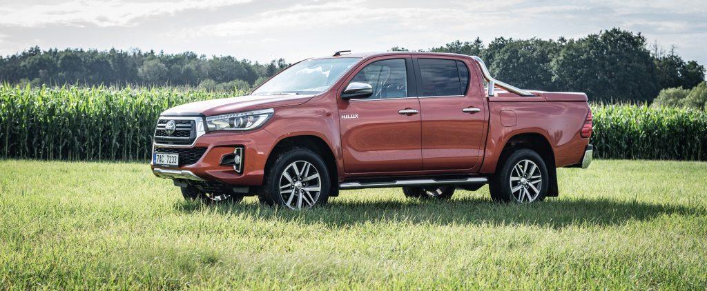 Toyota Hilux není žádný prcek