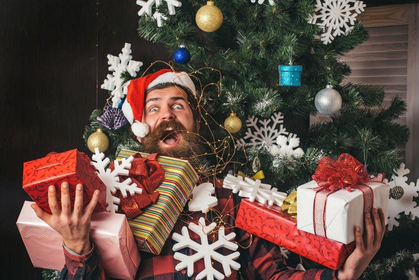 Netradiční oslavy Vánoc. Kde jedí na Štědrý večer páva a dárky naděluje kůň?